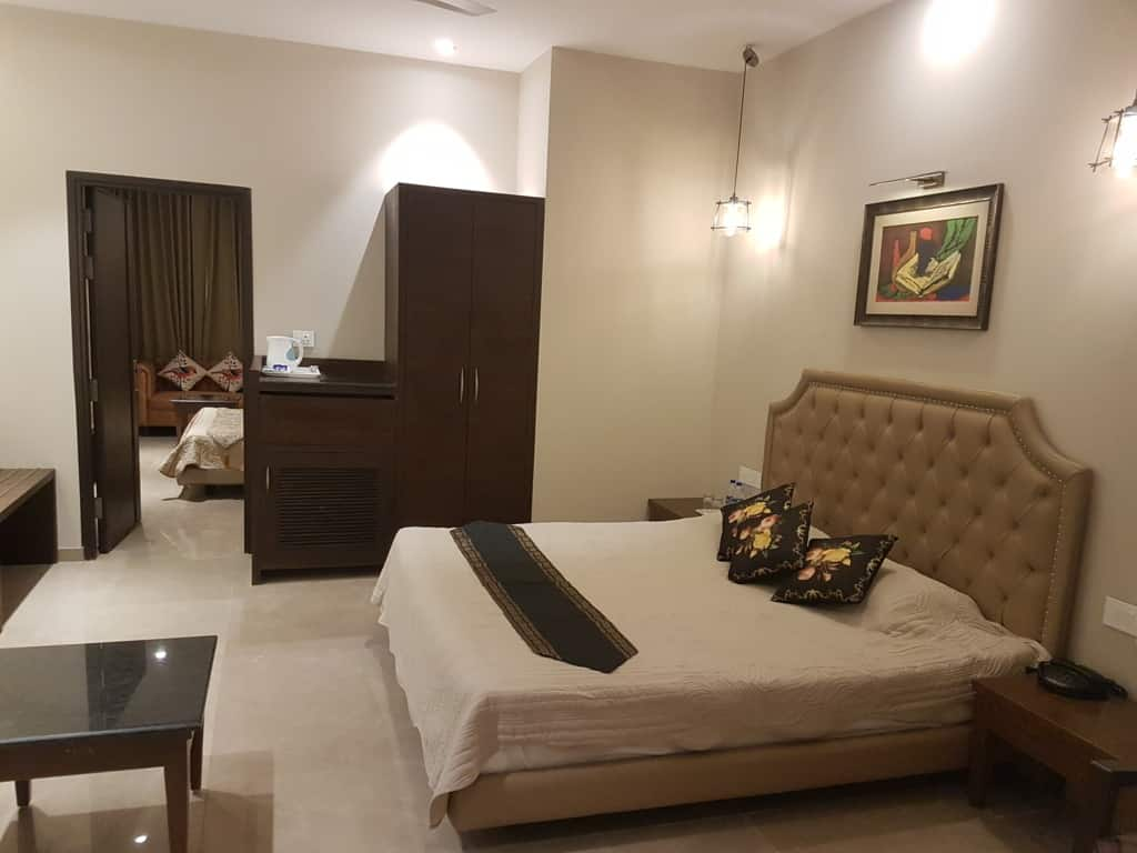 Picture Gallery Kasauli Hotels luxury Rooms