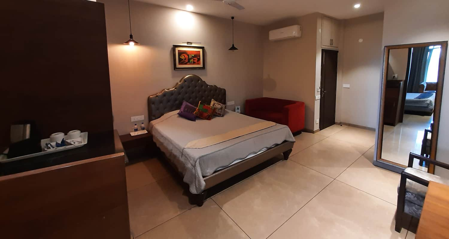 Cosy Rooms in luxury kasauli hotels